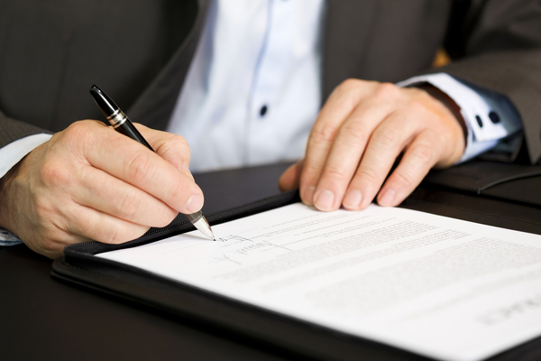 نحوه تنظیم قرارداد توسط وکیل تنظیم قرارداد