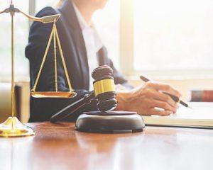 بهترین وکیل داوری